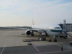 いよいよ出発、CX507便、香港経由でマドリッドに向かいます。
