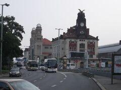 プラハ本駅まで歩きます、徒歩15分くらい