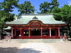 地下鉄で長田まで移動し、長田神社を参拝します。長田駅からは商店街を抜けて7分ほどです。長田神社は生田神社・湊川神社とともに神戸を代表する神社の1つで、鎮座1800年を超える歴史ある神社で、各地からの参拝客で賑わっています。長田から阪神電車(神戸高速鉄道)で元町まで行き、昼食をとってからJRで大阪へ帰りました。