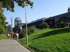 朝ゆっくりし、プラハ本駅をお昼少し前に出発。