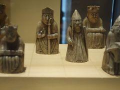 ロンドンの大英博物館に何度も見に行った、大好きなルイス島のチェスに、エディンバラで再会(?)しました!