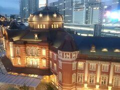 東京駅の夜景が綺麗でした