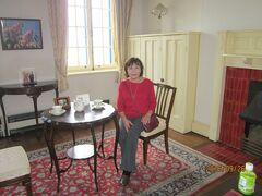 旧イギリス領事館内部で優雅なティータイム
