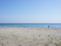 ホテルのすぐ傍はビーチ。 癒されます…