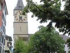 聖ペーター教会(St.Peter-kirche)へやって来ました。大きな時計塔が美しい教会です。
