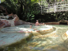 THE LOST SPRING ビーチで泳ぐ時期でもないので温泉に来てみました。