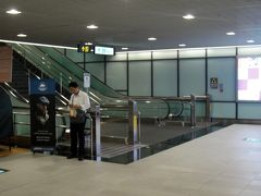 40分程で桃園国際空港着。 園機場提運は所要時間が読めてやはり便利です。
