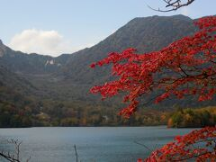 湯ノ湖。標高1,478m。