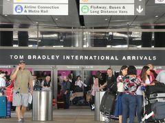 LAX到着。久しぶりにアメリカ系以外の航空会社で来たため、もう何年ぶりかのトムブラッドレーからアメリカに入国しました。2013年に改修していたんですね。