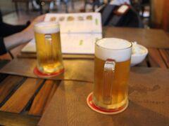The Soup Dragonで夕食をとることに  まずはアンコールビールで乾杯!