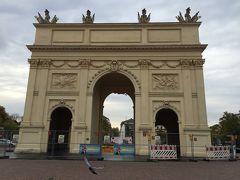 そのまま500メートルくらい歩くとブランデンブルク門がありました。