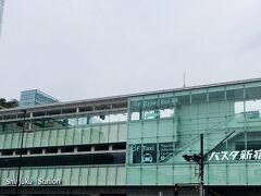 巨大バスターミナル 「新宿バスタ」 バスタって名前良くつけたなと。 見送りはした事があるけど、実際自分が乗るのは初めて。 それだけで新鮮。