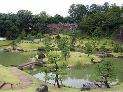金沢城の脇にできた玉泉院丸庭園。 無料で見学できます。