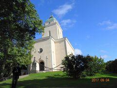スオメンリンナ教会 閉まってた。。。 ロシア正教の駐屯地教会として1854年に建設。 フィンランド独立黎明期の1920年代に福音ルター派の教会となる。 尖塔にある航空・海上交通用の灯台は現在も稼働してるそうです。