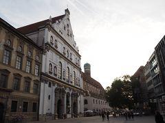 カールス門から歩いてすぐのところにあるミヒャエル教会。  前回ミュンヘンに来たときは全然教会を見なかったので、今回の旅では教会にも立ち寄ることにしたい。