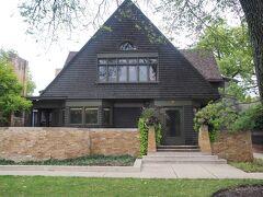 これがフランク・ロイド・ライト邸(1889年)。自宅兼スタジオ。
