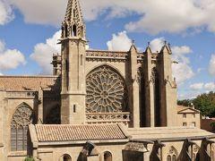 こちらも城塞内にあるサン・ナゼール・バジリカ聖堂 11世紀から13世紀にかけて建造されたロマネスク建築とゴシック建築が融合した聖堂です。