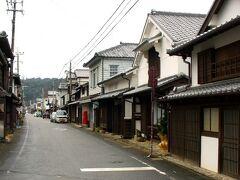 日向市から日豊線で15分、美々津で途中下車して、古い町並みが残る地区へ30分ほど歩いていきます。美々津は江戸時代から高鍋藩の商業港として栄えた町で、今でも古い建物が残っています。