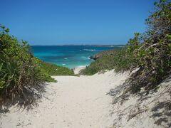 砂山ビーチを再訪。  少しは優しい海を楽しめるかな~と思って来たのですが・・