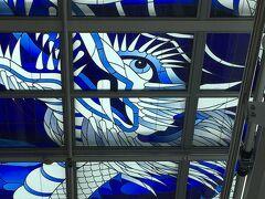 天井にこんな龍が描かれていました。 色合いが素敵です。  気になったので少し調べてみたらドイツ製のステンドグラスで長崎名物の龍踊りをあらわしているそうです。