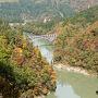 錦秋をめぐりながら滝雲で有名な枝折峠へ
