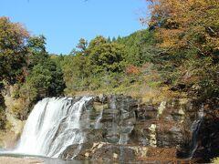 那須烏山の栃木県では紹介されている龍門の滝です。なかなか高さはないのですが、一味違う滝なので見るに値するものだと思います。