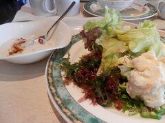 土曜9時前。ダブルツリーbyヒルトン首里城の4回目朝食。最終日もヨーグルトと海藻サラダをいただく。