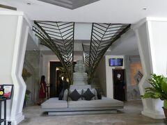 ホテルの無料送迎でホテルに来ました エクスペディアで予約して一泊7000円ほどでした