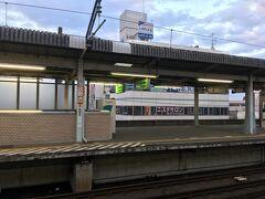 茂原駅から快速久里浜行きに乗車します。