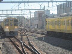 9:43発の西武秩父行の電車に乗換です。