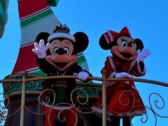 最初は、1回目のディズニー・クリスマス・ストーリーズをミッキーやミニー達が停止する位置で鑑賞。