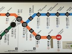 地下鉄に乗ります。 あっ、東比恵まで100円じゃない! ガーーン!! いつも東比恵で1回改札を出て、博多まで合計200円で行ってたので、60円の値上げです…  隣の駅まで100円は、はやかけんのポイント付与でのみ継続していますが、 これだけのために、北海道の人が「はやかけん」は持てないかなぁ… どうしよう  この夜は、博多駅前のキャビナス福岡に宿泊。 入浴後、もつ鍋と生ビールを頂きます。ウエルカムもつ鍋ですね。 ここのカプセルは、旅行者、出張者向けのメニューが充実してると思います。