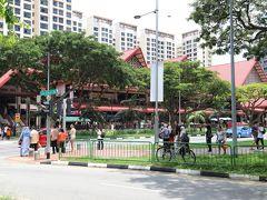 せっかくなので、来た時と別の駅へ向かう。パヤ レバー駅はマレーシア人街みたいだった。