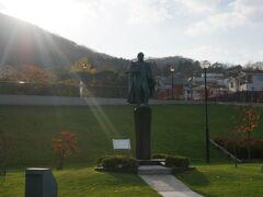 基坂を上ると、ペリー提督の銅像発見!!  一応写真撮ってみましたよ