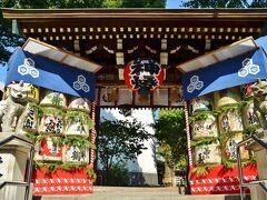 福岡にやってきたらご挨拶必須な神社がこちら、櫛田神社。 福岡市の氏神様鎮守様、所謂守り神様ですね。 二日目になってしまいましたが、遅ればせながらお邪魔させて頂きます事、ご挨拶しましょう。