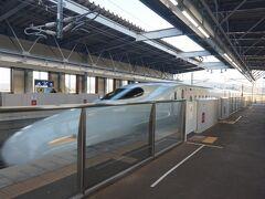 久留米からは、朝7時40分の「さくら」で熊本へ。新幹線開業から6年半が過ぎましたが、ノンストップ20分は今もって驚異の早さです。