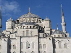 11:20  イスタンブール空港着 ブルーモスクを眺めてレストランへ