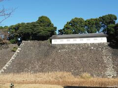 皇居 乾通りから見る富士見多聞