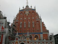 一度は空爆にて破壊されましたが、 1999年に創設800周年を記念して再建されました。