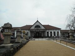 JR琴平駅に到着です。ここから銭形砂絵で有名な観音寺に向かいます