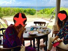ちょっと淋しく3人での10月の島旅 参加率100%の ririkoさんと お友達のAKIちゃん   4月に初めて来た「COMO」さんでランチです。 ここのロケーション大好き