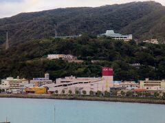 奄美サンプラザホテル客室からの眺め。 名瀬湾が見えます。