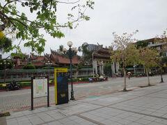 移動先は龍山寺! ホテル前の駅(善導寺駅)から乗り換えなしなので、すぐに来れます。