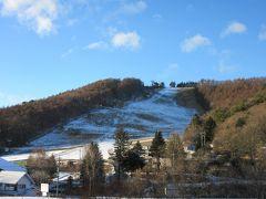 オープンまでは、まだまだですがスノーマシンは既に稼働している様で ゲレンデには若干積雪もありました 最近ご無沙汰ですが菅平スキー場は大好きなスキー場の一つです。  ※既に5年も前ですが直近の訪問時の様子はこちら  https://4travel.jp/travelogue/11019869