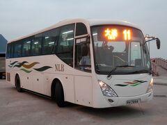 入国後は東涌でバスを乗り継ぎ大澳へ。コンビニが開店前で現金を両替するのに手間取りましたが、無事に大澳行の初バスに乗車。