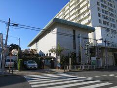 芭蕉記念館 14:00  深川芭蕉庵旧跡である。 芭蕉に関する遺品や書画、研究資料や図書を収蔵。