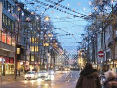 Bahnhofstrasse(バーンホフ通り)のイルミネーションもとても綺麗でした。