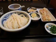 丸亀駅までの途中にある「石川うどん」の、昼の営業時間に間に合ったので遅いお昼にしました  香川来てるわけだから1食くらいはね