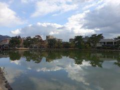 猿沢池を横目に徒歩約7分