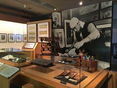 その奥にあるのが併設されている勝平徳之記念館。 こちらも秋田出身で版画家です。 作品類は撮影禁止。ただ作品を展示するだけでなく、色を付ける工程の解説なんかもされていて勉強になりました。